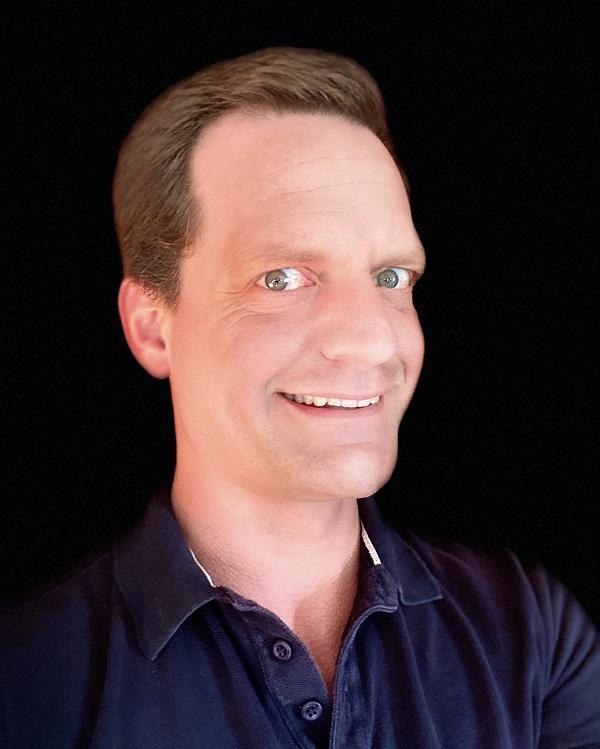 Micah Mangan headshot